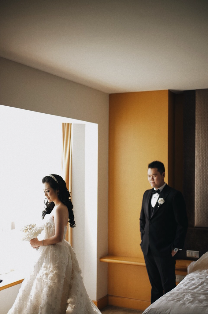 Abraham & Clara tying the knot by Hope Portraiture - 017