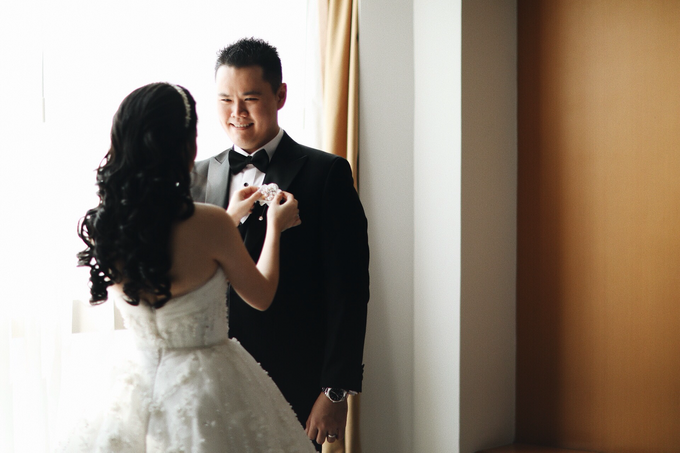 Abraham & Clara tying the knot by Hope Portraiture - 013