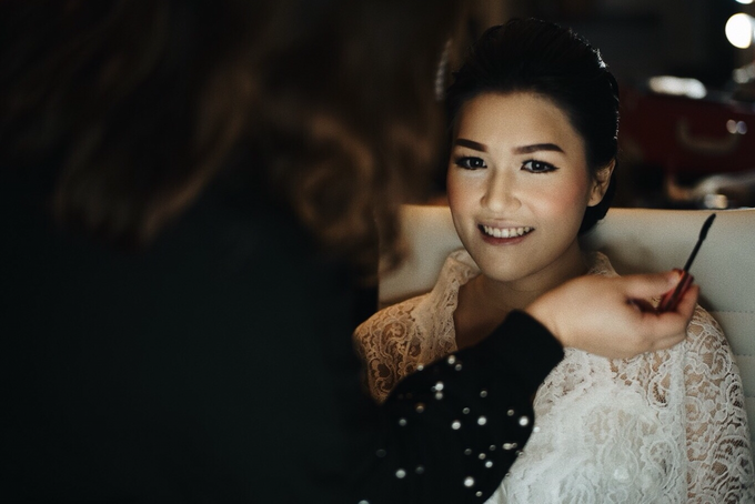 Hendric & Dian tying the knot by Hope Portraiture - 004