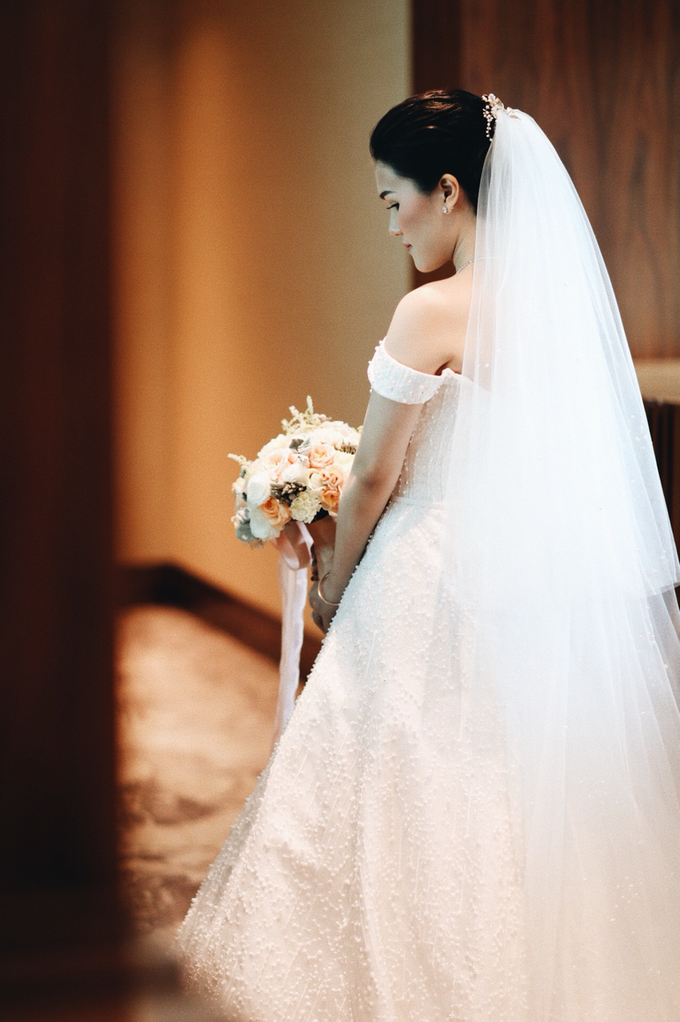 Hendric & Dian tying the knot by Hope Portraiture - 019