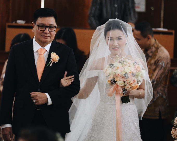 Hendric & Dian tying the knot by Hope Portraiture - 023