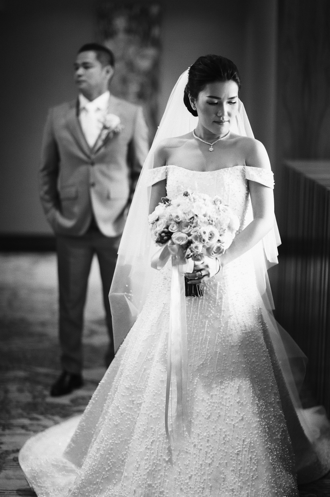 Hendric & Dian tying the knot by Hope Portraiture - 029