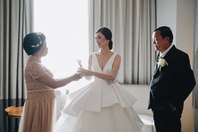 Steve & Desry tying the knot by Hope Portraiture - 019