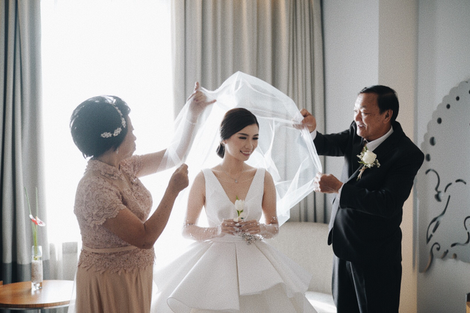 Steve & Desry tying the knot by Hope Portraiture - 020