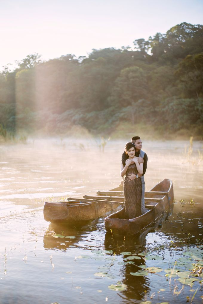 Hendric & Dian Engagement Session by Hope Portraiture - 005