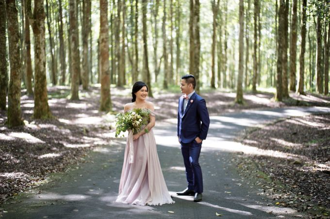 Hendric & Dian Engagement Session by Hope Portraiture - 007