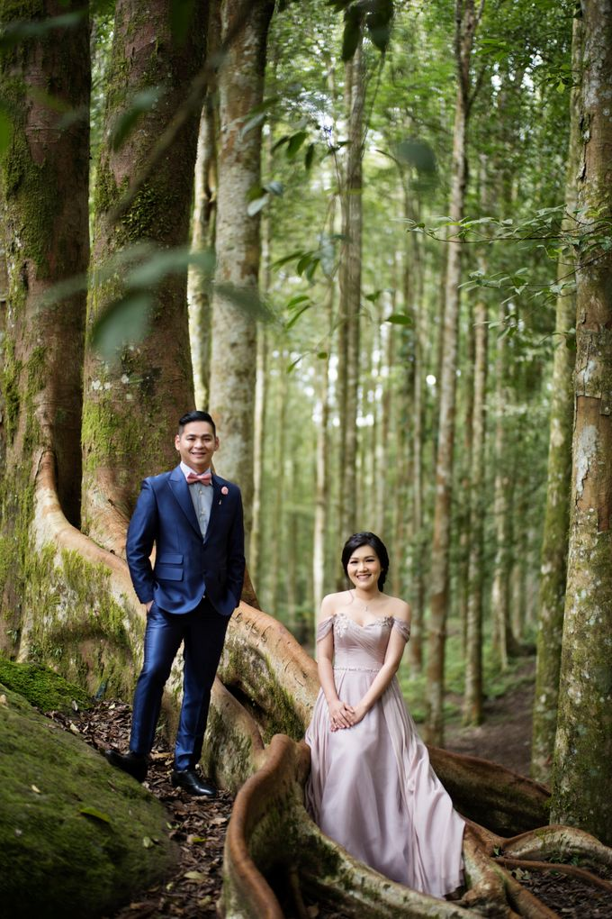 Hendric & Dian Engagement Session by Hope Portraiture - 012