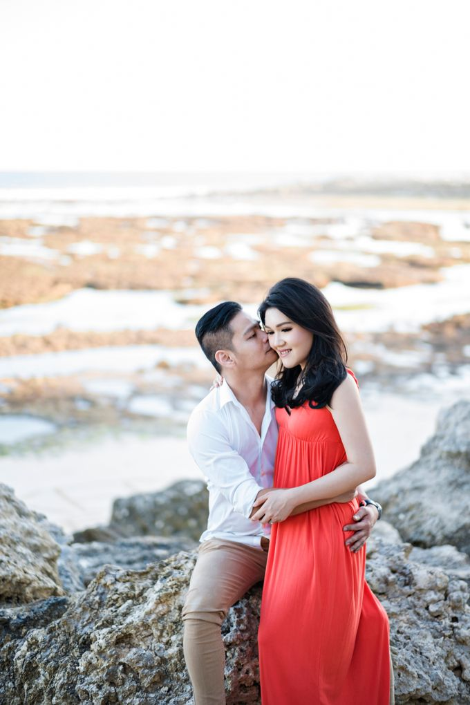 Hendric & Dian Engagement Session by Hope Portraiture - 018