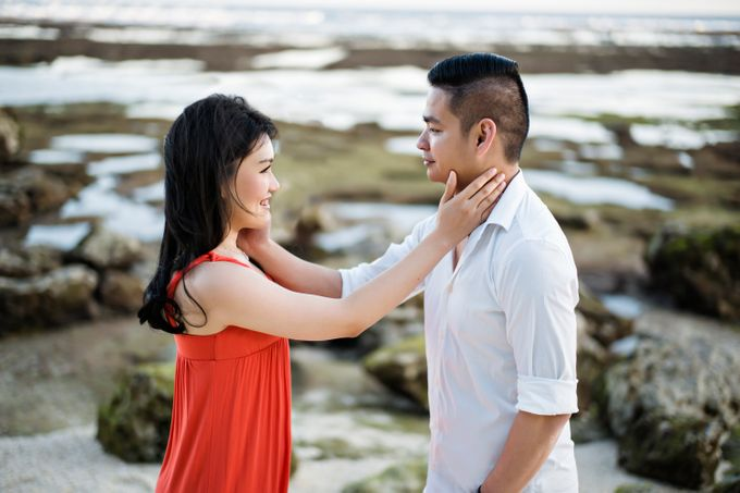 Hendric & Dian Engagement Session by Hope Portraiture - 025