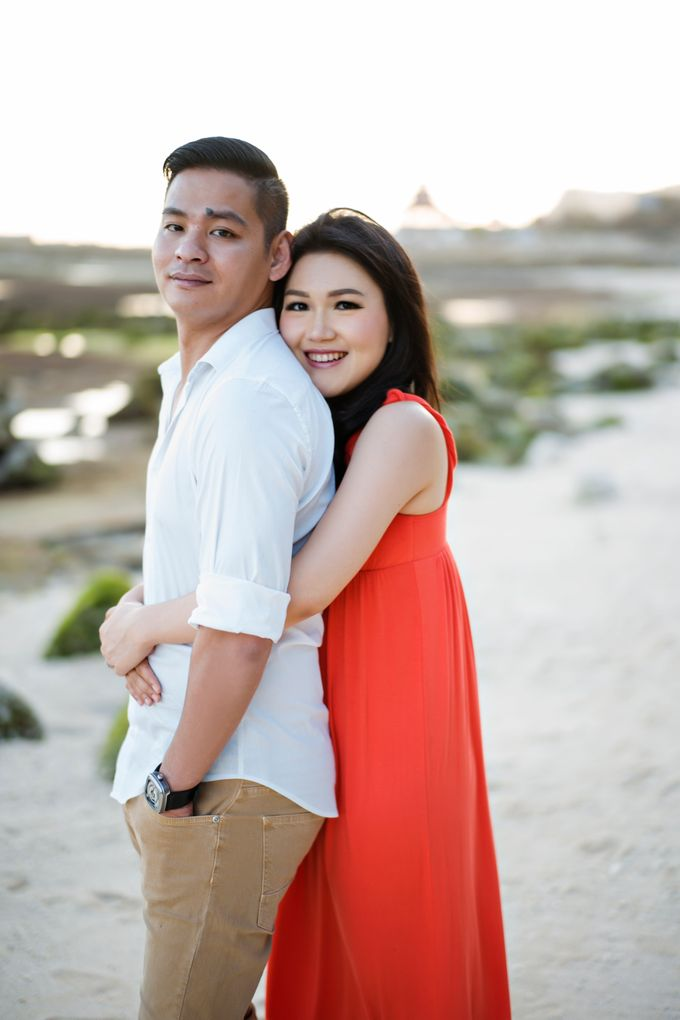 Hendric & Dian Engagement Session by Hope Portraiture - 026