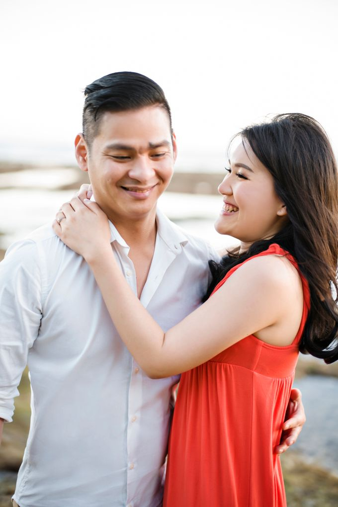 Hendric & Dian Engagement Session by Hope Portraiture - 027
