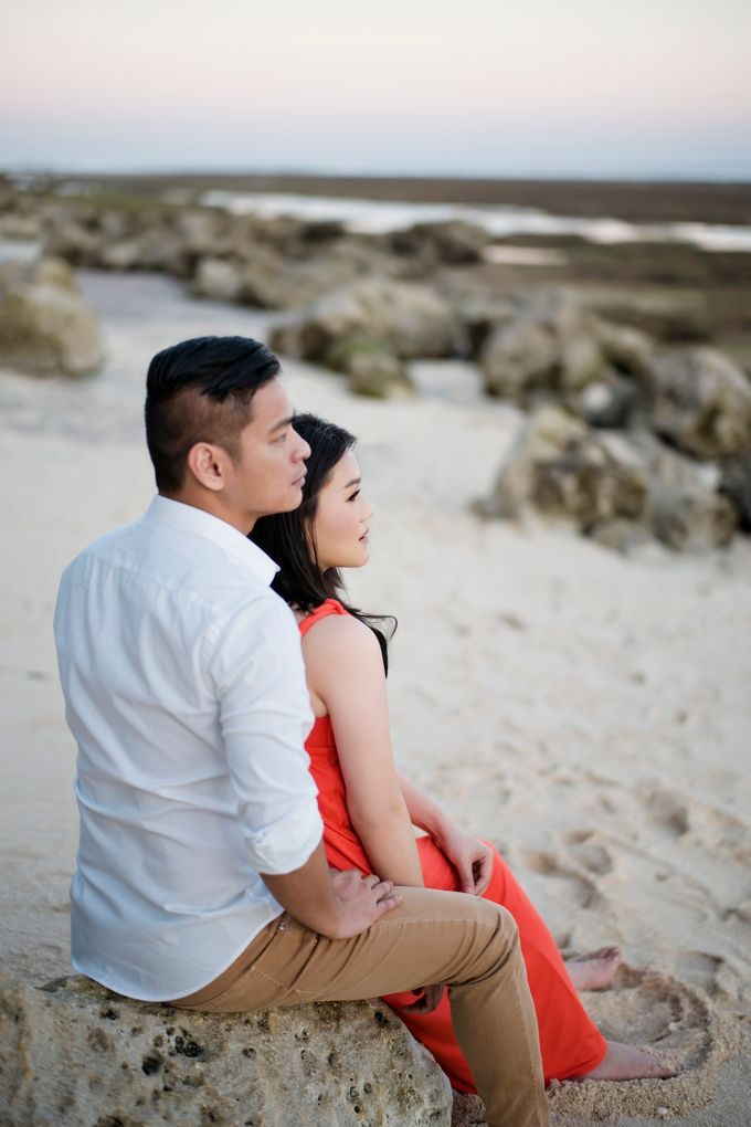 Hendric & Dian Engagement Session by Hope Portraiture - 029