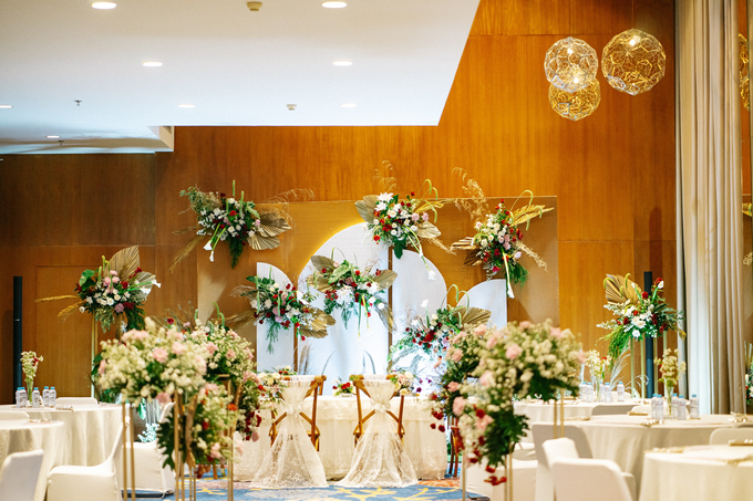 Intimate Wedding Arum & Rendy Hotel Morrisey  by HR Team Wedding Group - 002
