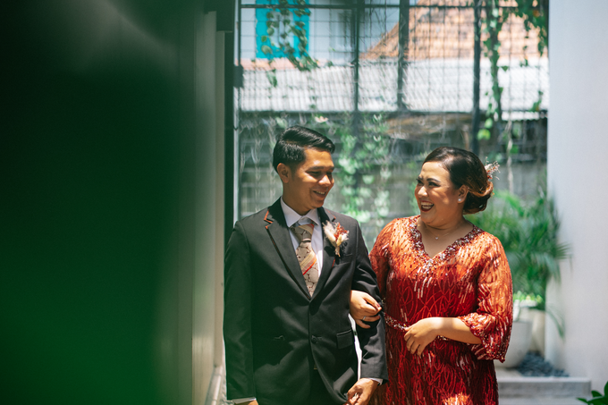 Intimate Wedding Arum & Rendy Hotel Morrisey  by HR Team Wedding Group - 006