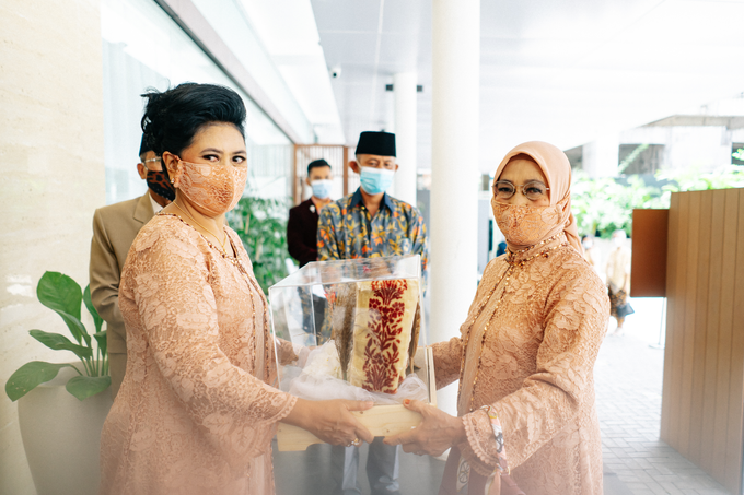 Intimate Wedding Arum & Rendy Hotel Morrisey  by HR Team Wedding Group - 011