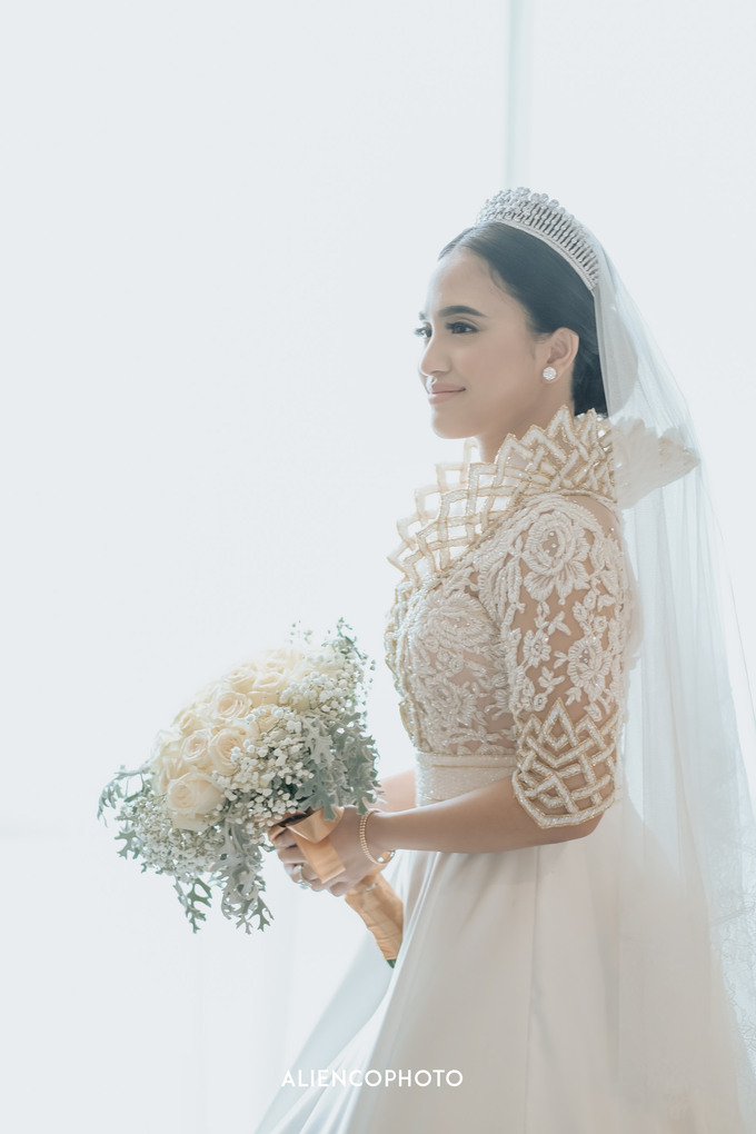Wedding day Andre & Indri Hotel Raffles Jakarta by HR Team Wedding Group - 006