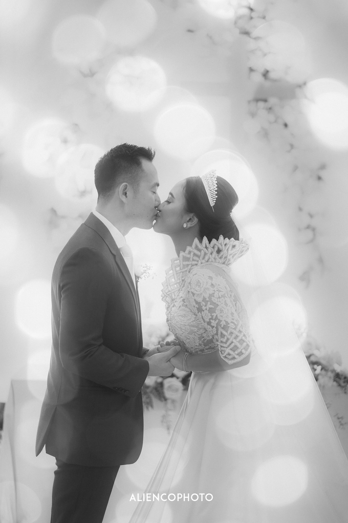 Wedding day Andre & Indri Hotel Raffles Jakarta by HR Team Wedding Group - 007