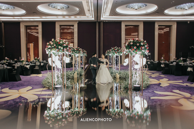 Wedding day Andre & Indri Hotel Raffles Jakarta by HR Team Wedding Group - 012