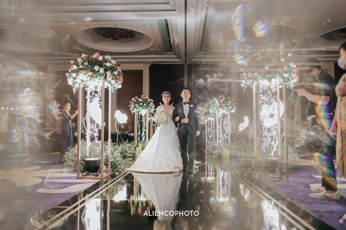 Wedding day Andre & Indri Hotel Raffles Jakarta by HR Team Wedding Group - 014