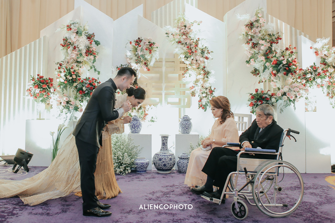 Wedding day Andre & Indri Hotel Raffles Jakarta by HR Team Wedding Group - 021