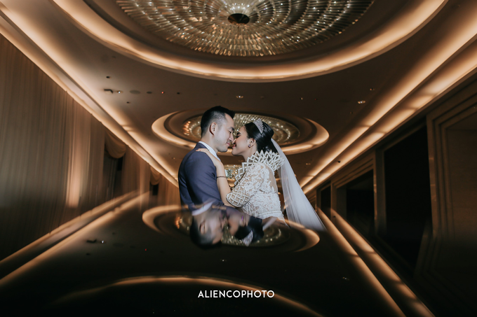 Wedding day Andre & Indri Hotel Raffles Jakarta by HR Team Wedding Group - 022