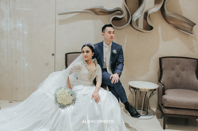Wedding day Andre & Indri Hotel Raffles Jakarta by HR Team Wedding Group - 023