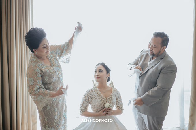 Wedding day Andre & Indri Hotel Raffles Jakarta by HR Team Wedding Group - 036
