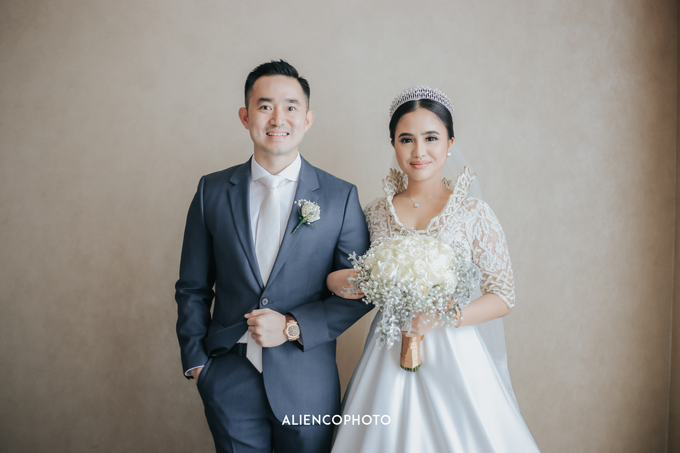 Wedding day Andre & Indri Hotel Raffles Jakarta by HR Team Wedding Group - 038