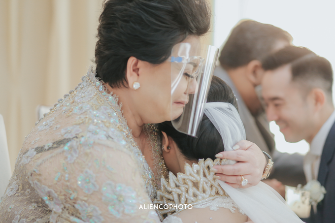 Wedding day Andre & Indri Hotel Raffles Jakarta by HR Team Wedding Group - 041