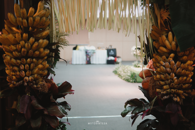 Traditional CeremonyTania At Hotel Kristal Jakarta by HR Team Wedding Group - 005