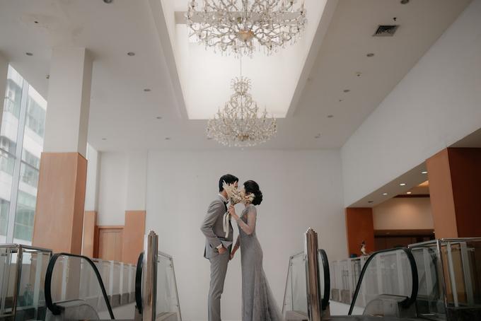 Intimate Wedding Adam & Intan at Hotel Grand Sahid  by HR Team Wedding Group - 008
