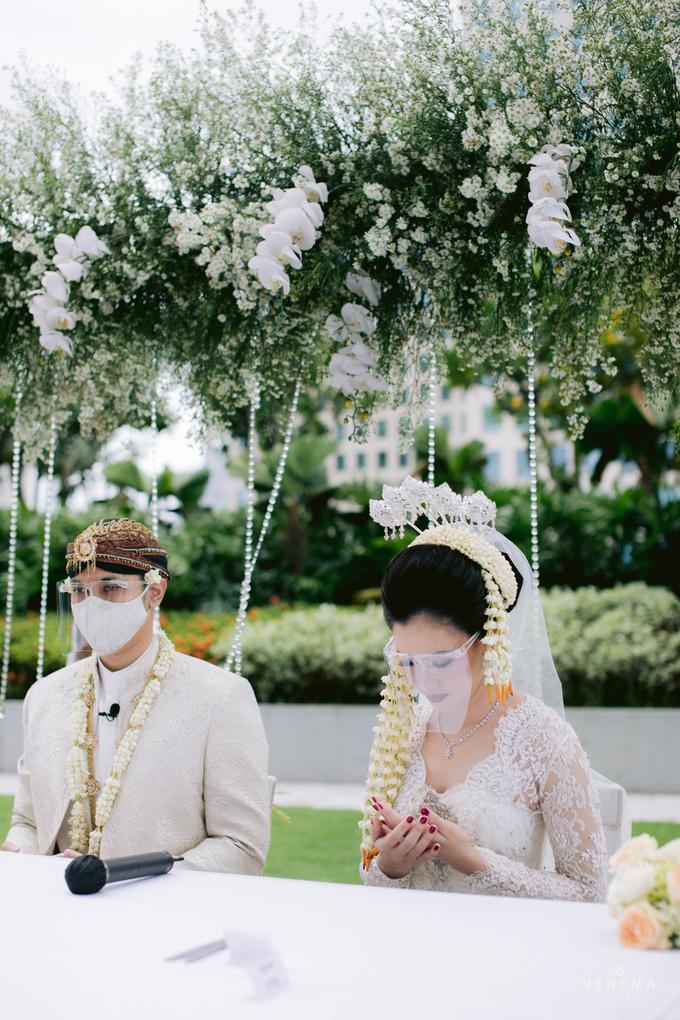 Intimate Wedding Karen & Sanni at Hotel Fairmont by HR Team Wedding Group - 021