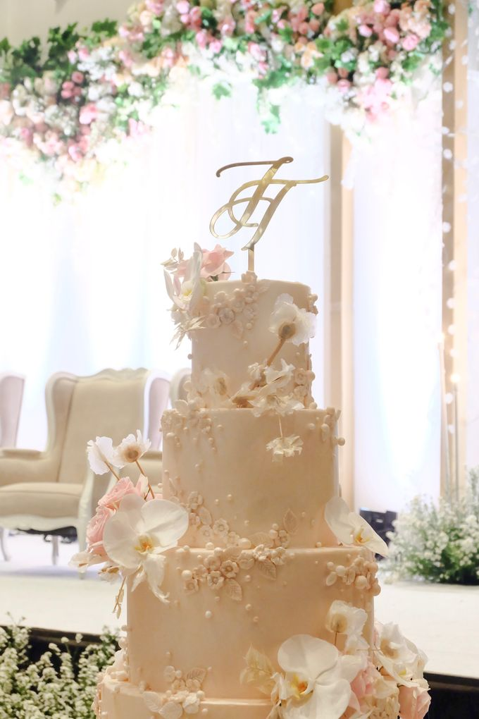 The Wedding of Jeremiah & Teresia by KAIA Cakes & Co. - 011