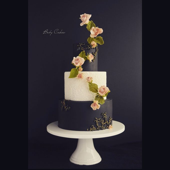 Single tier and multi tiered cakes by Baby Cakes - 034