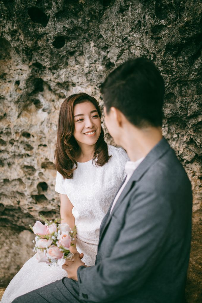 Pre Wedding Photoshoot by fire, wood & earth - 001