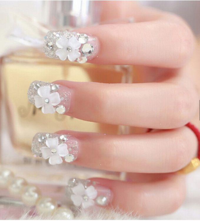 nail art- 24 pcs kuku palsu dengan taburan bunga dan mutiara putih by Triwindu shop - 002