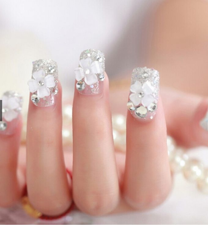nail art- 24 pcs kuku palsu dengan taburan bunga dan mutiara putih by Triwindu shop - 003