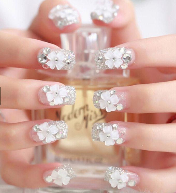 nail art- 24 pcs kuku palsu dengan taburan bunga dan mutiara putih by Triwindu shop - 005