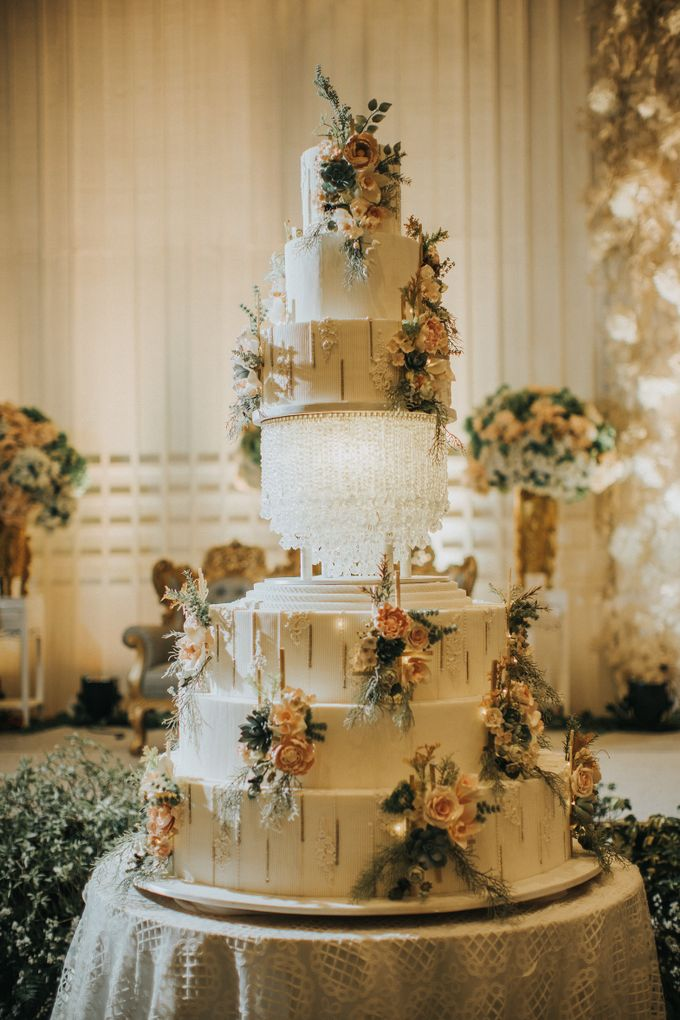 7 & 8 tiers Wedding Cake by LeNovelle Cake - 016