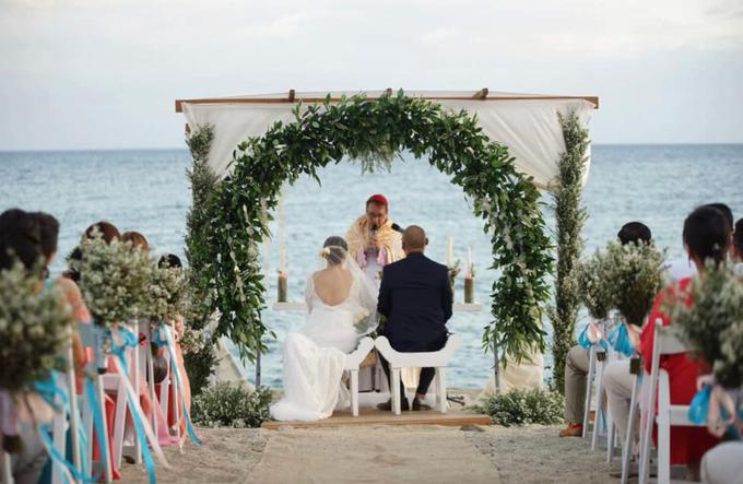 Beach Wedding - Ian & Tin 12.08.2018 by Icona Elements Inc. ( an Events Company, Wedding Planning & Photography ) - 014
