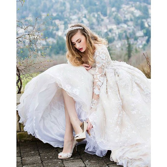 New Castle Wedding by MeaMarie Bridal Atelier - 003