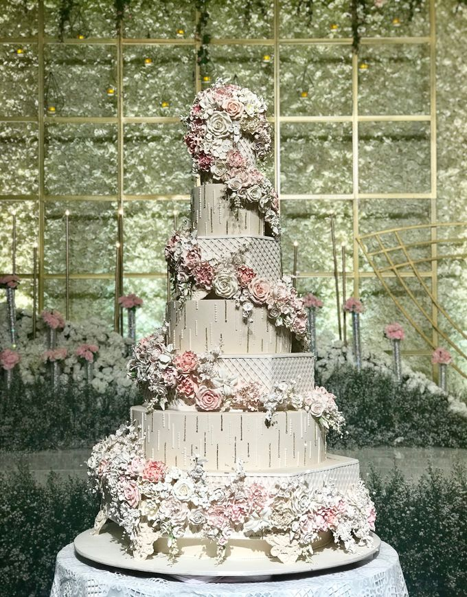 7 & 8 tiers Wedding Cake by LeNovelle Cake - 017