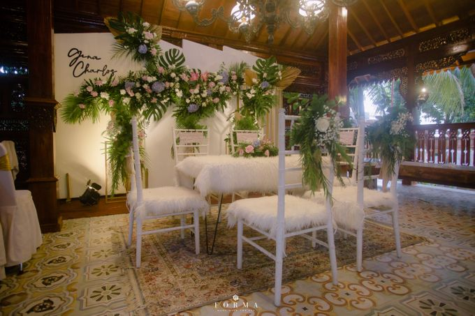 The Wedding of Gina & Charlos di The Joglo Garden by Decor Everywhere - 020