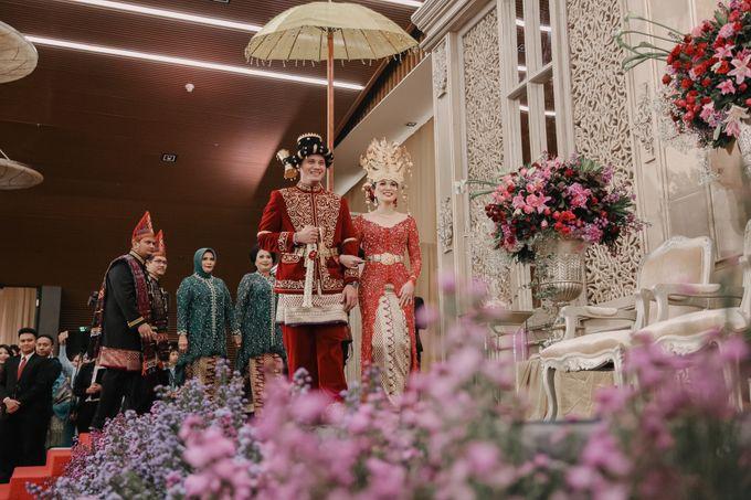 Pernikahan Adat Mandailing Ditary & Fadly by  Menara Mandiri by IKK Wedding (ex. Plaza Bapindo) - 002