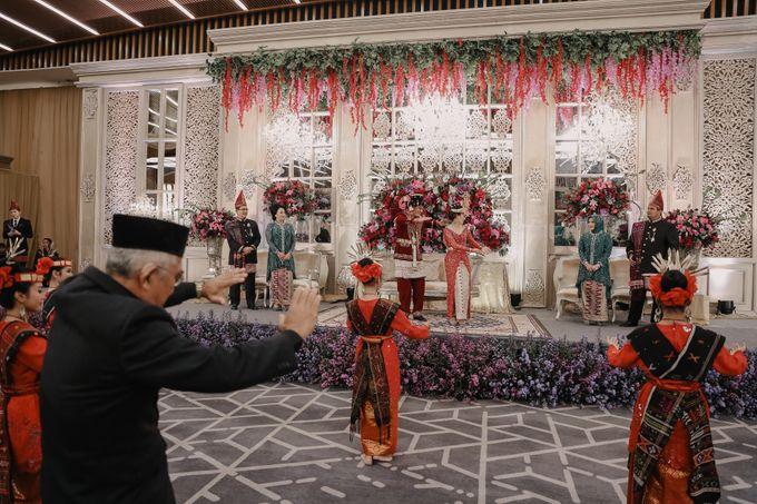 Pernikahan Adat Mandailing Ditary & Fadly by  Menara Mandiri by IKK Wedding (ex. Plaza Bapindo) - 005