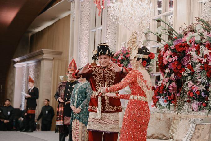 Pernikahan Adat Mandailing Ditary & Fadly by  Menara Mandiri by IKK Wedding (ex. Plaza Bapindo) - 003