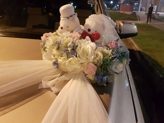 Forever friends bridal car decor by ilmare Wedding - 002