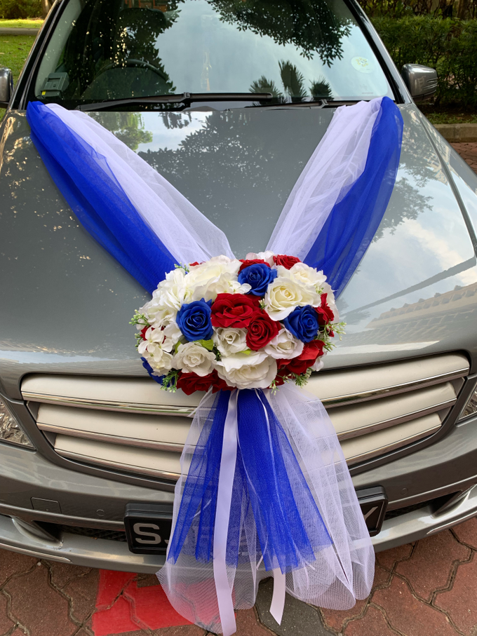 Royal blue and white bridal car by ilmare Wedding - 001