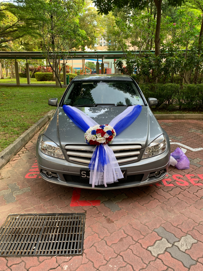 Royal blue and white bridal car by ilmare Wedding - 003