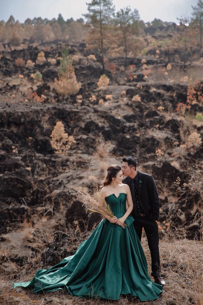 prewedding of Yenny Lonalgius by iLook ( Makeup & Couture ) - 001